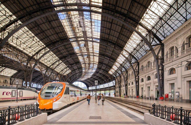 Железнодорожный вокзал Барселоны