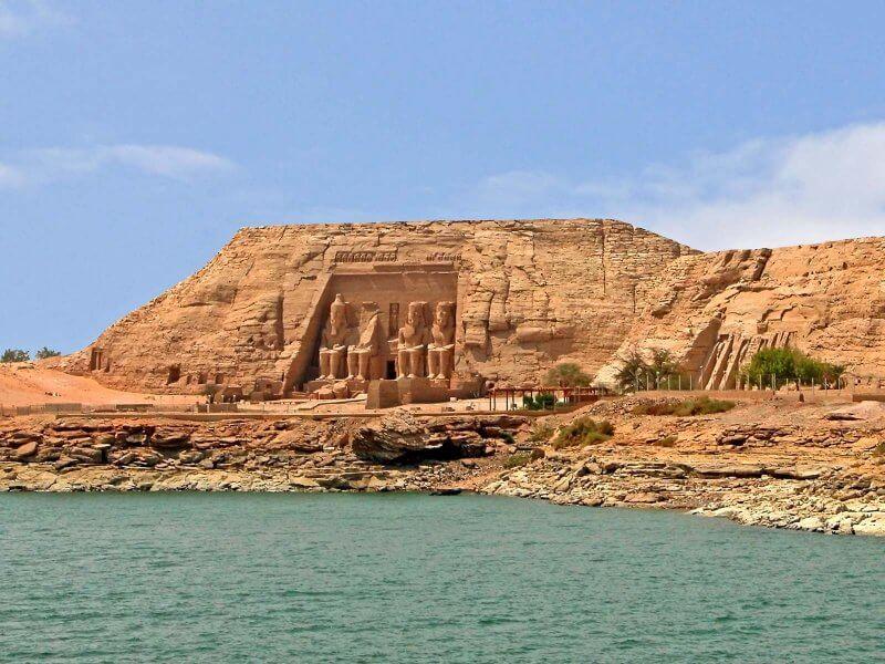 Вид на храм Абу-Симбел