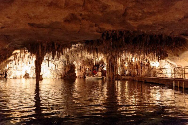Драконовы пещеры внутри