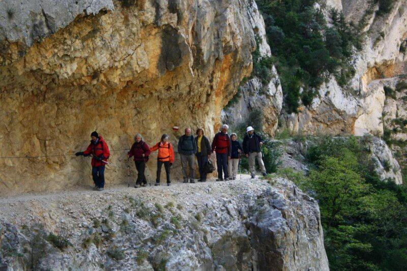 Туристы в ущелье Монт Ребей