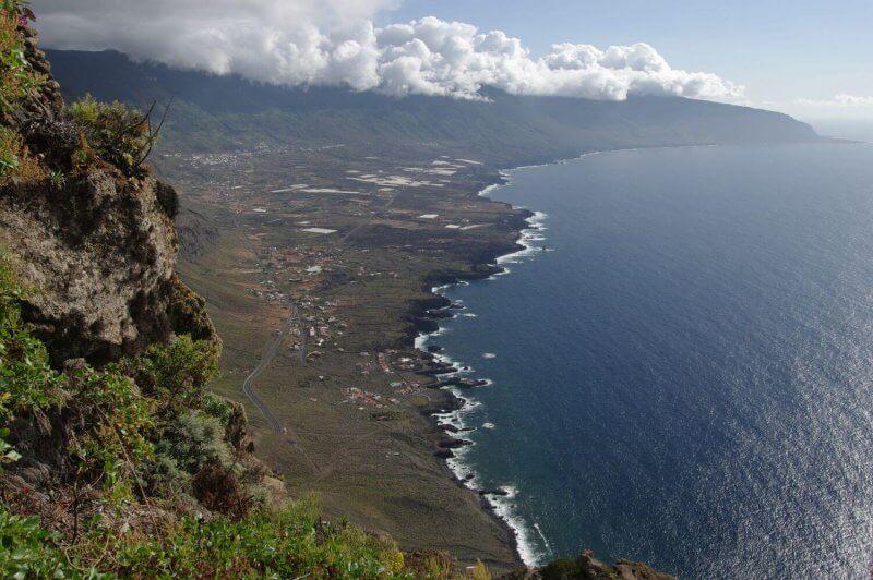Вид сверху на остров Иерро