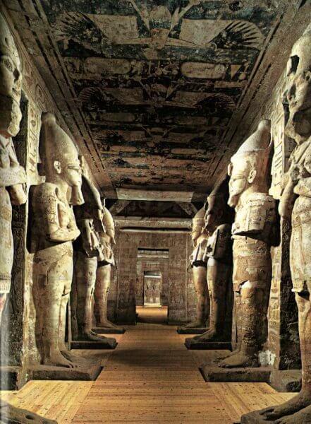 Храм Абу-Симбел внутри