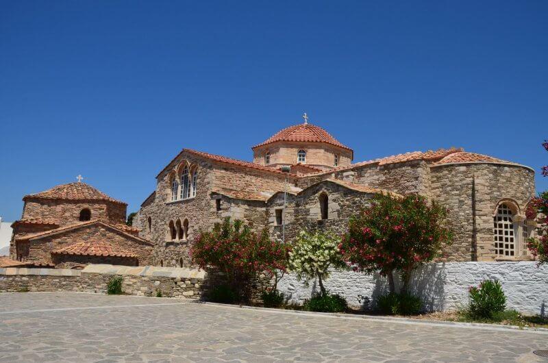 Церковь Ekatondapiliani