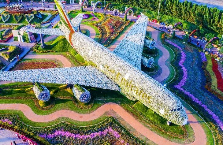 Emirates A380 из цветов