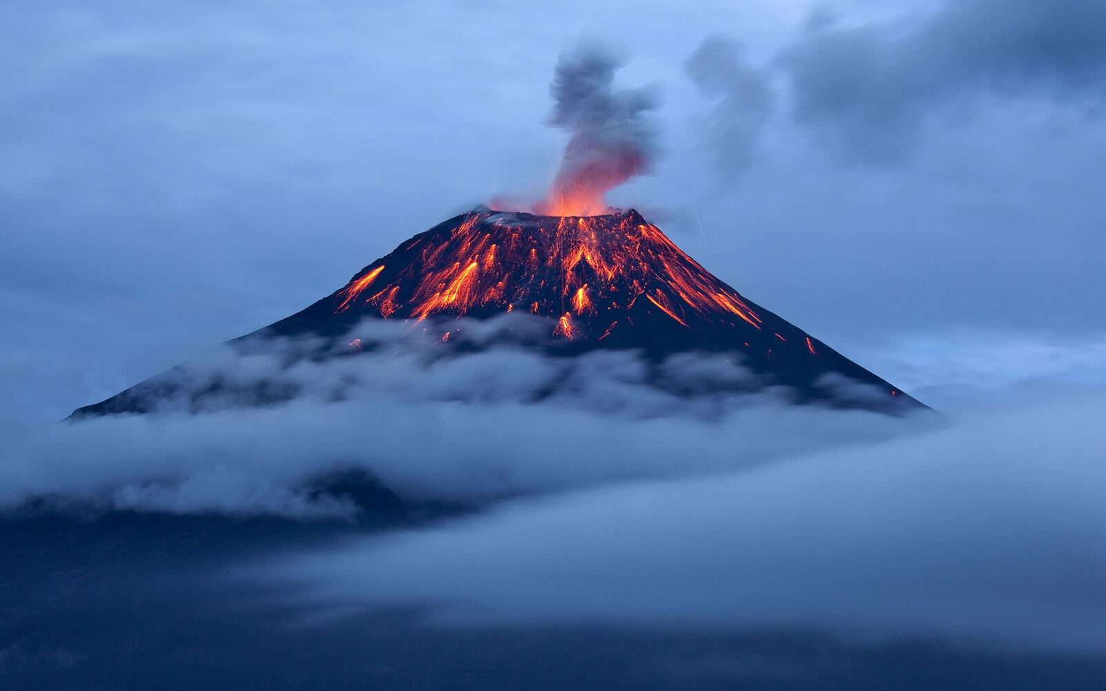 Volcano - The shape of the land, Forces and changes Pictures of a composite volcano