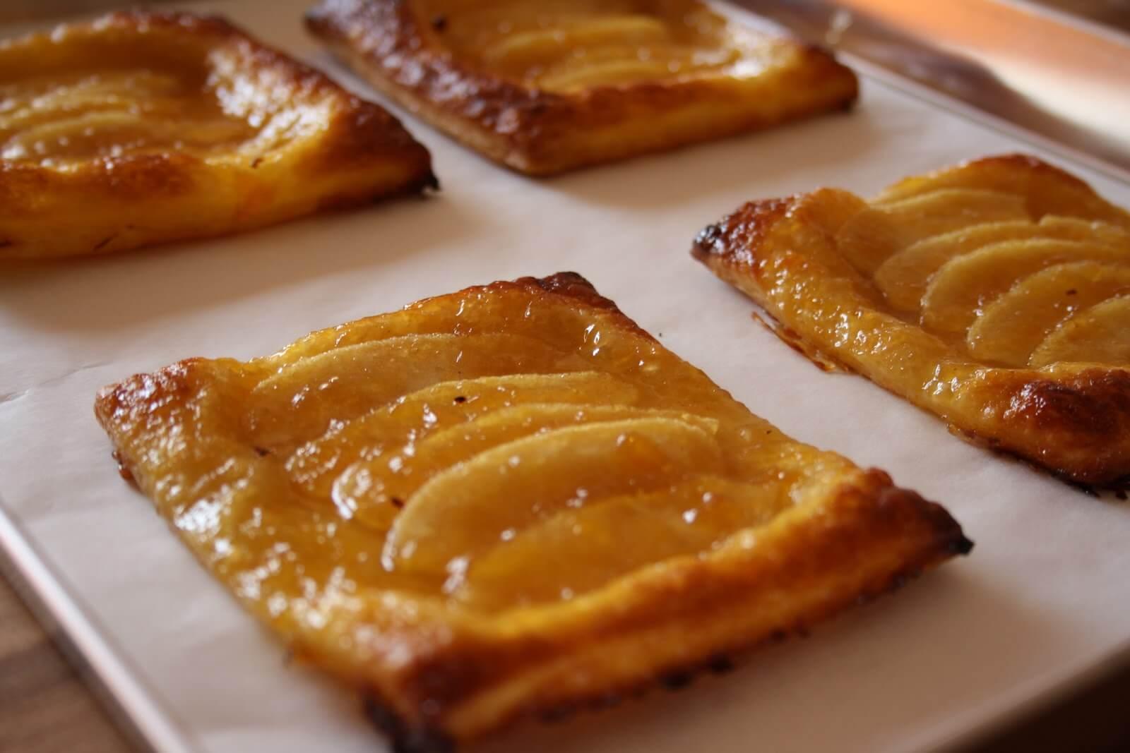 Рецепты со слоеным тестом с яблоками